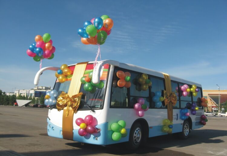 Автобусы в подарок школам
