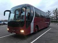 MAN Lion's Coach red